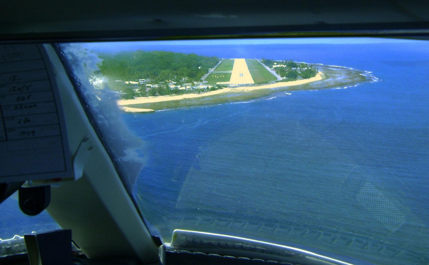 Nauru-aerial-plane